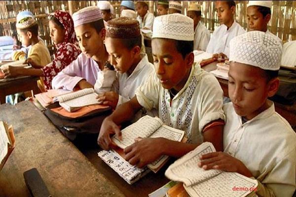 सईद के मदरसों, स्वास्थ्य केंद्रों पर पाक की कार्रवाई!