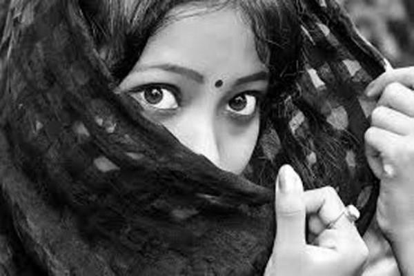 शिवरात्रि पर शिव शंकर को करना चाहते हैं प्रसन्न, तो इस रंग के वस्त्रों को न करें धारण