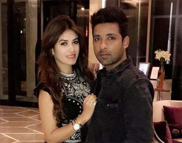 bandgi and puneesh kicked out of their mumbai home