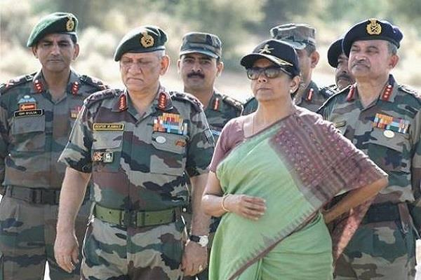 सीतारमण की चेतावनी से बौखलाया पाक, बोला- भारत को देंगे जवाब