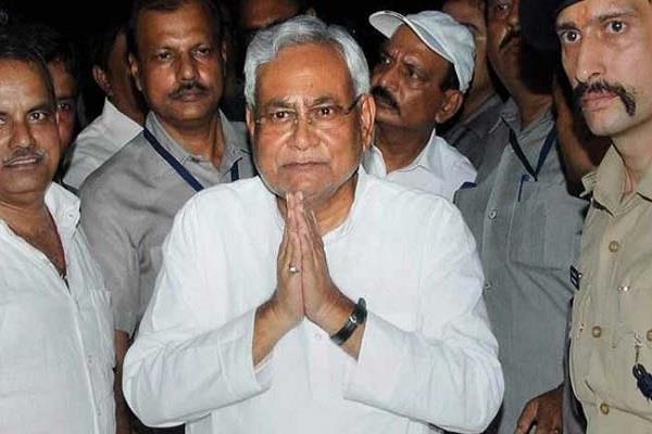 नीतीश ने पूर्व विधायक अरुण सिंह के निधन पर जताया शोक