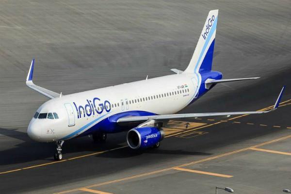 इंडिगो-गोएयर की करीब 50 उड़ानें रद्द, हवाई किराए में बढ़ौतरी