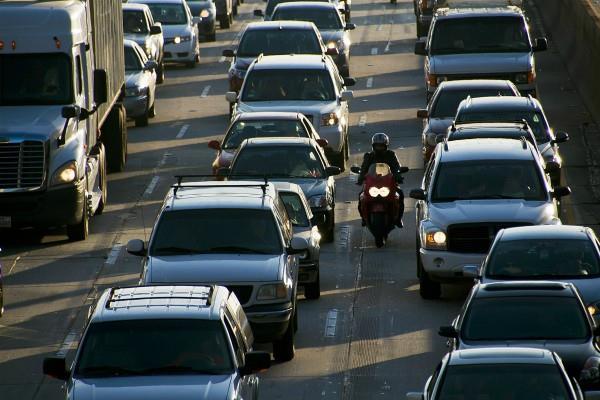 फरवरी में यात्री वाहनों की बिक्री 8 प्रतिशत बढ़ी