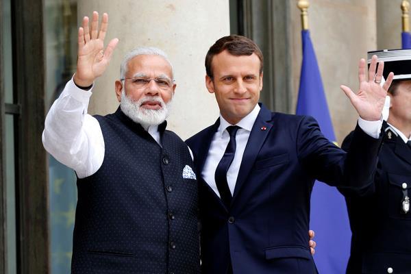 फ्रांसिसी पर्यटक बोले- हमारे राष्ट्रपति का भी हो जाए हृदय परिवर्तन