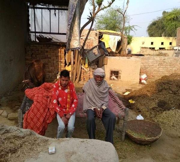 गांव में 5 मरले वाली कालोनियों में कई गरीब प्लाटों से वंचित