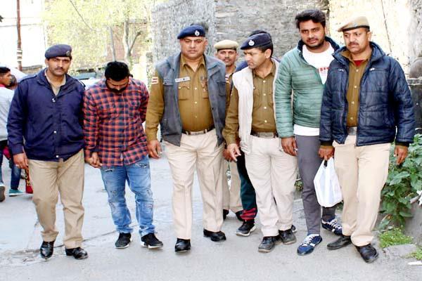 पुलिस नाके पर नशे की खेप सहित तीन गिरफ्तार, पुलिस रिमांड पर भेजे