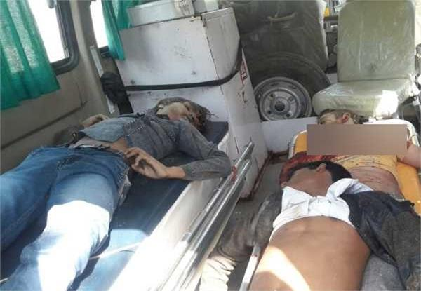 बाइक और ट्रैक्टर ट्रॉली की भीषण टक्कर, 3 युवकों की दर्दनाक मौत