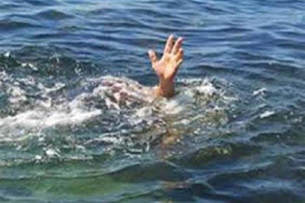 बीमारी से तंग आकर लैब टेक्नीशियन ने नहर में लगाई छलांग