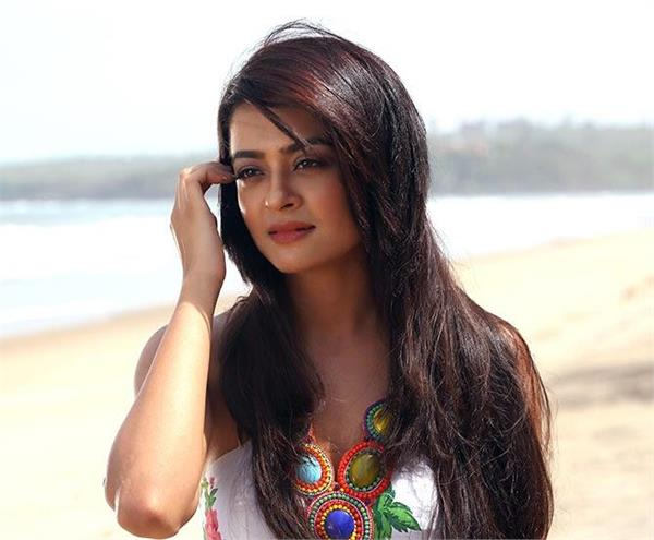 surveen chawla share her feeling on kathua case