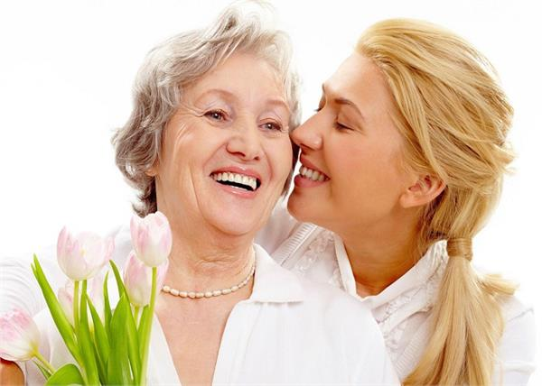 Mother Day Special: 'सासू मां' को स्पेशल फील कराने के लिए अपनाएं ये 5 टिप्स
