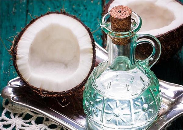 बच्चों के लिए बहुत ही फायदेमंद है नारियल तेल, जानिए कैसे ?