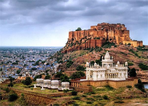 गर्मी की छुट्टियों में घूमने के लिए बैस्ट हैं भारत के ये 6 शहर