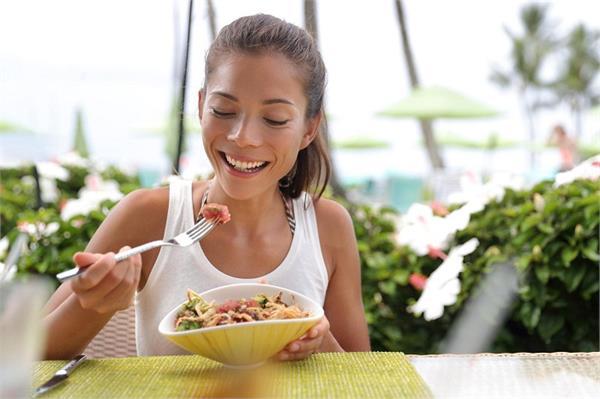 गर्मियों में खाएंगे ये फूड्स तो फायदा नहीं, होगा नुकसान
