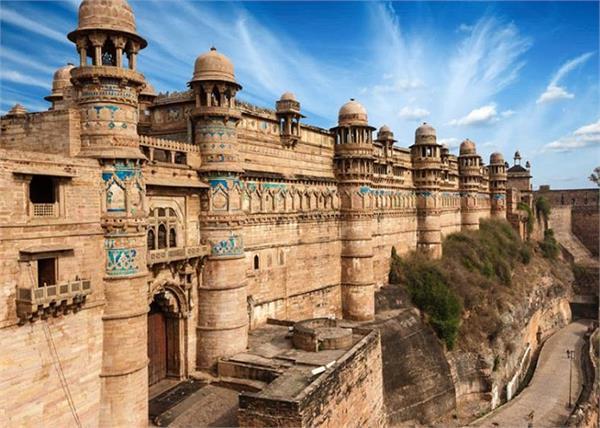 मध्य प्रदेश की शान है 8 वीं शताब्दी में बना यह किला