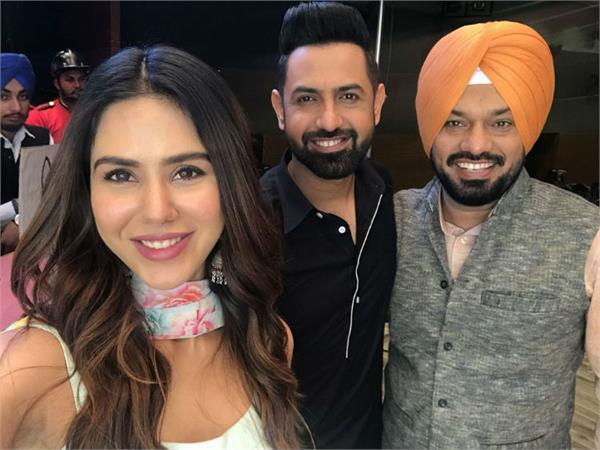 gippy grewal and sonam bajwa film carry on jaata 2 promotion