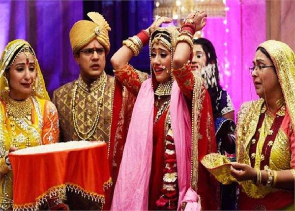 जानिए क्यों खास होते हैं भारतीय शादी में विदाई के इमोशनल पल?