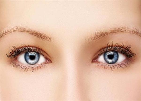 इन टिप्स को अपनाकर आंखो को बनाएं फ्रैश और खूबसूरत