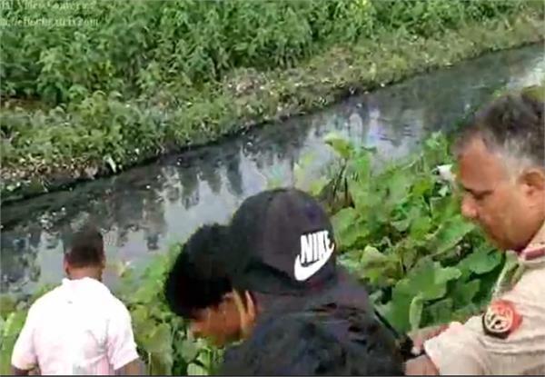 रेलवे ट्रैक के किनारे 3 युवकों के शव मिलने से मचा हड़कंप, जांच में जुटी पुलिस