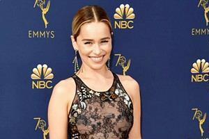 emilia clarke at emmy awards 2018