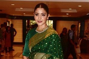 anushka sharma get smita patil award