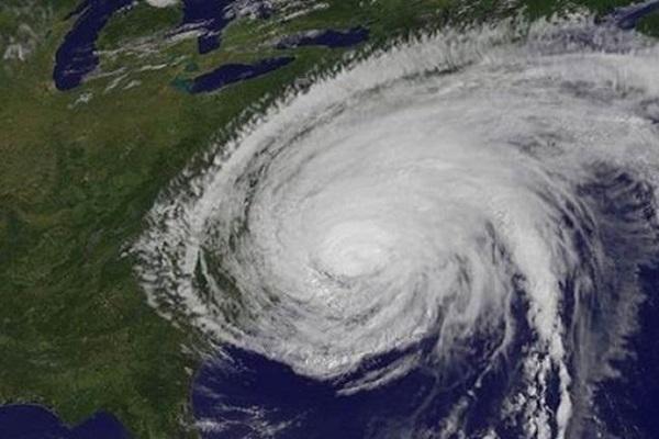 today the storm vayu will reach gujarat