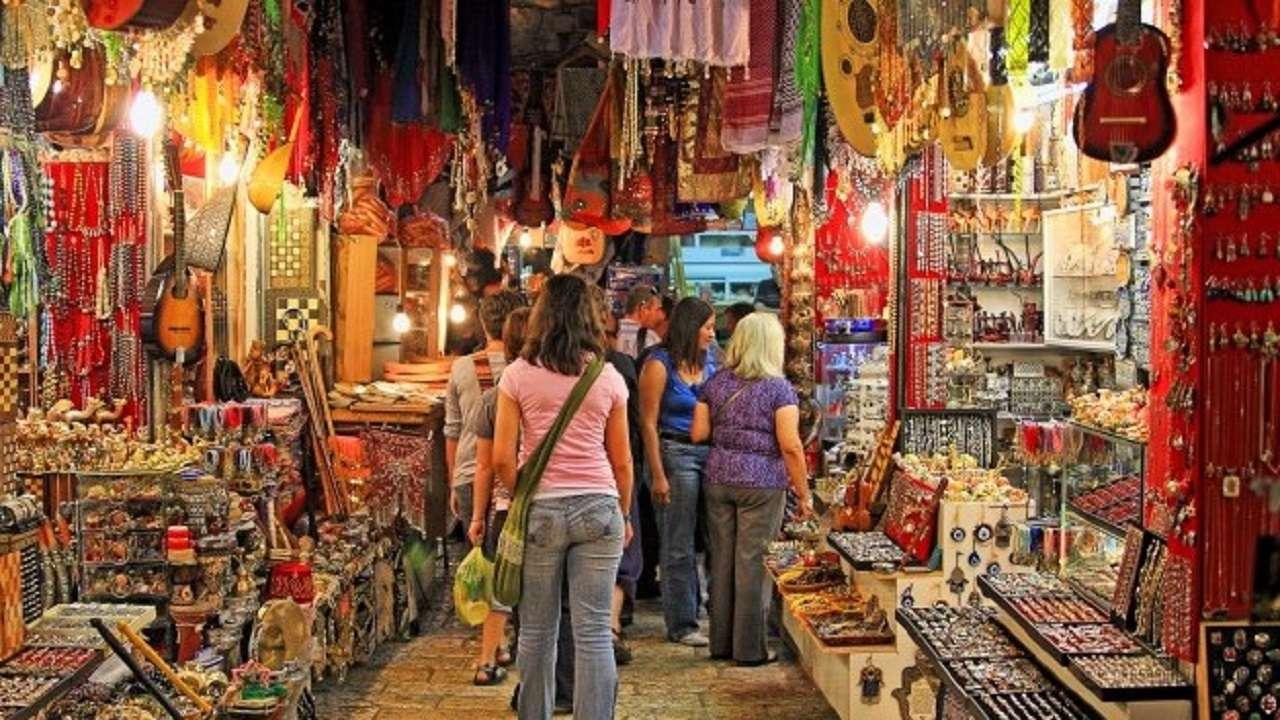 PunjabKesari Shopping In Shraddha