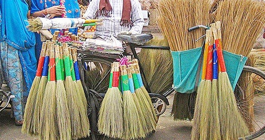 PunjabKesari Do not annoy maa Lakshmi while sweeping