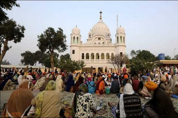 PunjabKesari, Kartarpur Sahib: Number of Sangat reduced