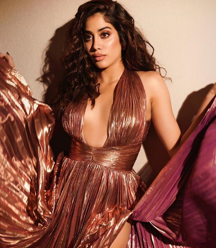 Bollywood Tadka,Janhvi Kapoor images,Janhvi Kapoor photo, Janhvi Kapoor picture