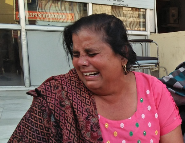 PunjabKesari, Mother of 2 children died due to swallows sulfas