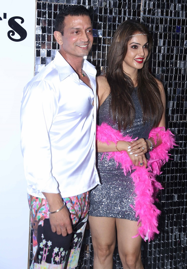 Bollywood Tadka,isha koppikar image, isha koppikar photo,isha koppikar pictures, Timmy Narang image,Timmy Narang photo, Timmy Narang pictures