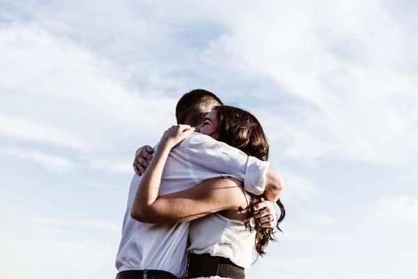 PunjabKesari, Get longevity and relief from heart diseases by Hug