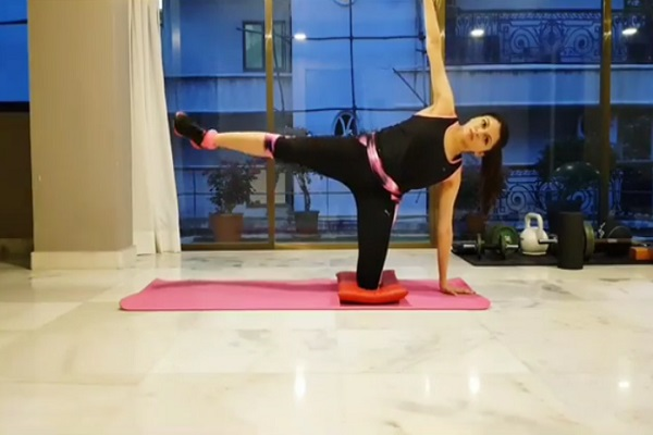 PunjabKesari, Bhagyashree Fitness Secrets Image