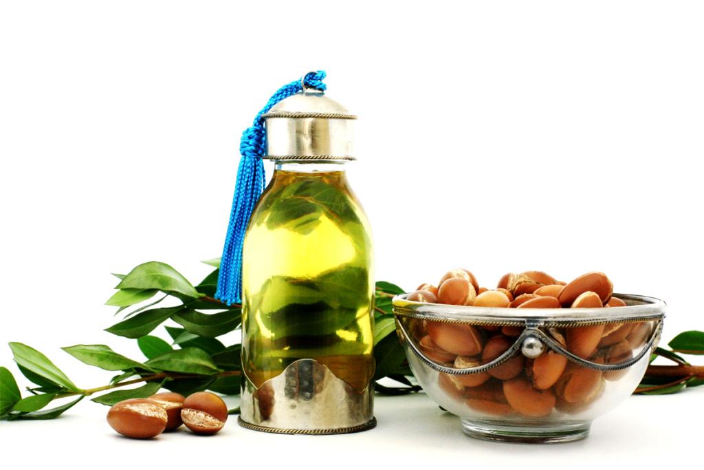 PunjabKesari, Amrita Arora Beauty Secret Image, Argan Oil Benefits Image