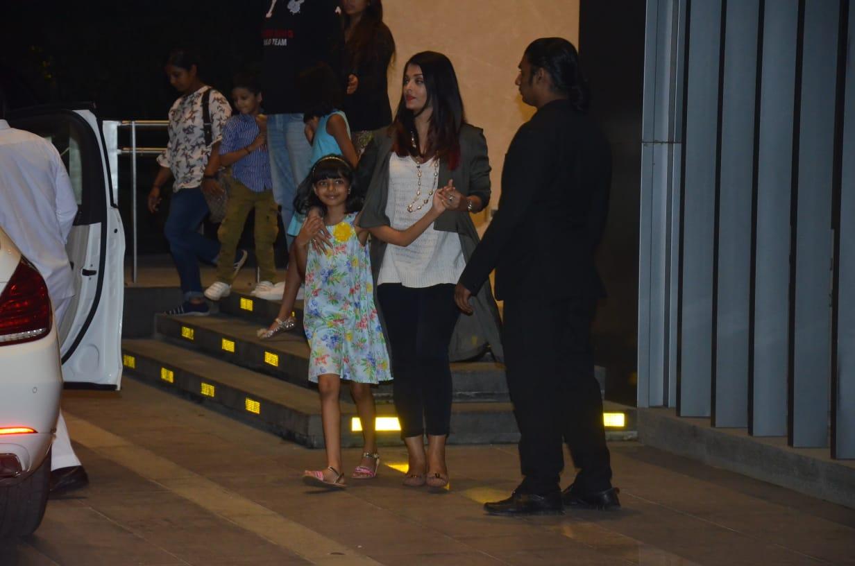 Bollywood Tadka,ऐश्वर्या राय बच्चन इमेज,ऐश्वर्या राय बच्चन फोटो,ऐश्वर्या राय बच्चन पिक्चर, आराध्या इमेज,आराध्या फोटो,आराध्या पिक्चर