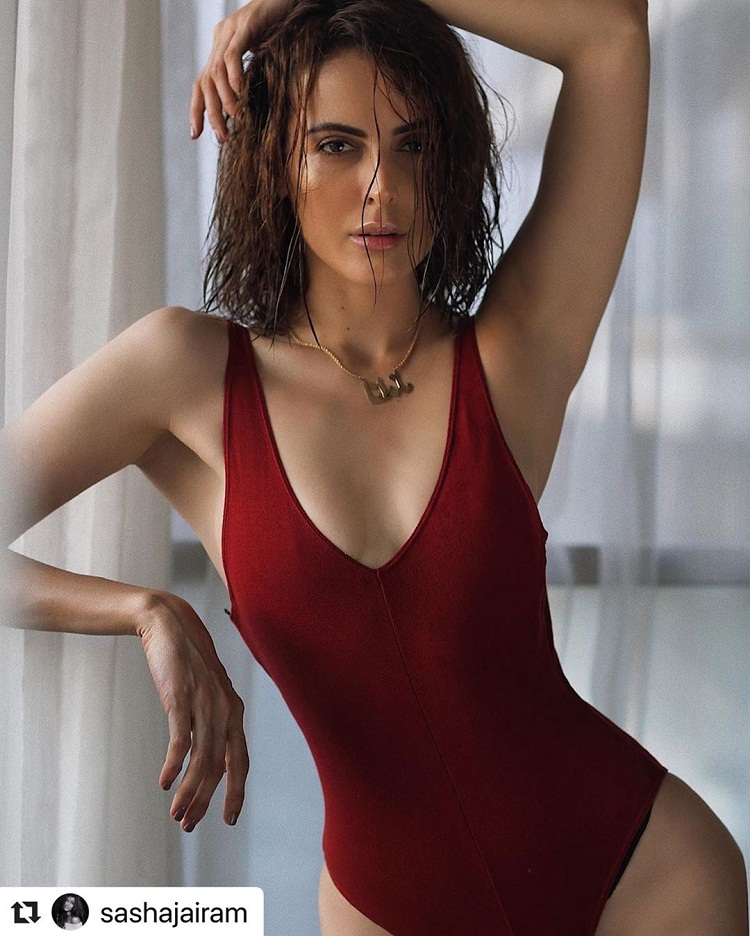 Bollywood Tadka,mandana karimi image, mandana karimi photo, mandana karimi picture