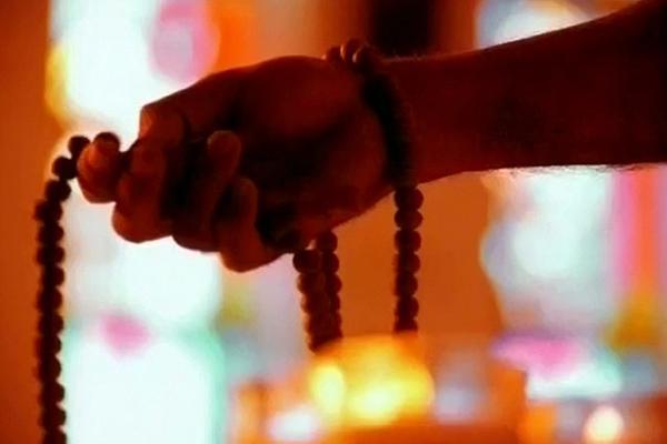PunjabKesari Gandhiji used to pray to these mantras and hymns