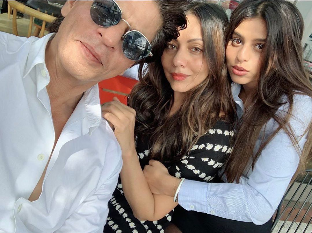 Bollywood Tadka,शाहरुख खान इमेज,शाहरुख खान फोटो,शाहरुख खान पिक्चर,सुहाना खान इमेज,सुहाना खान फोटो, सुहाना खान पिक्चर,गौरी खान इमेज,गौरी खान फोटो,गौरी खान पिक्चर,