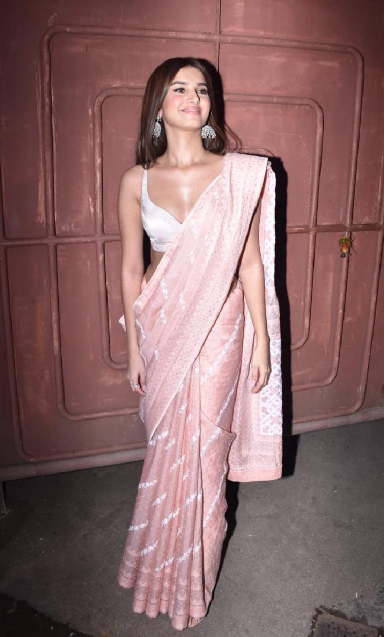 Bollywood Tadka,Tara Sutaria image, Tara Sutaria photo, Tara Sutaria pictures