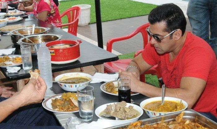 PunjabKesari, salman eating