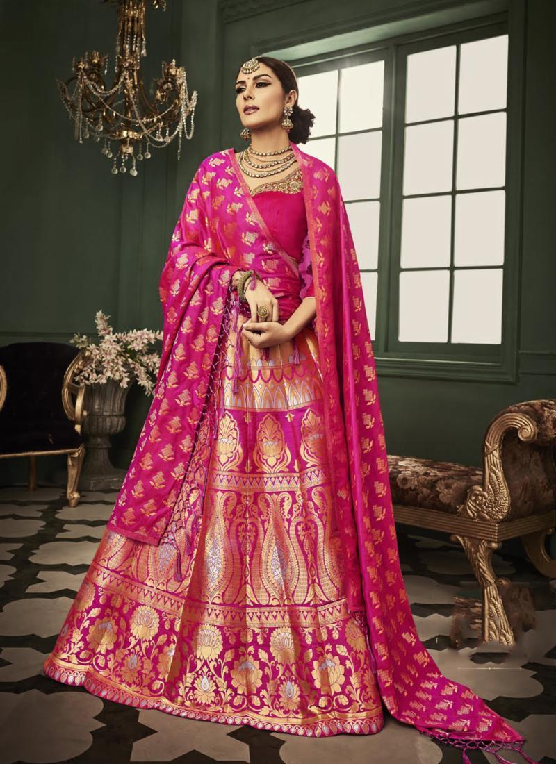PunjabKesari, वाइट पिंक ड्रेस ऑउटफिट इमेज, White pink dress outfit image