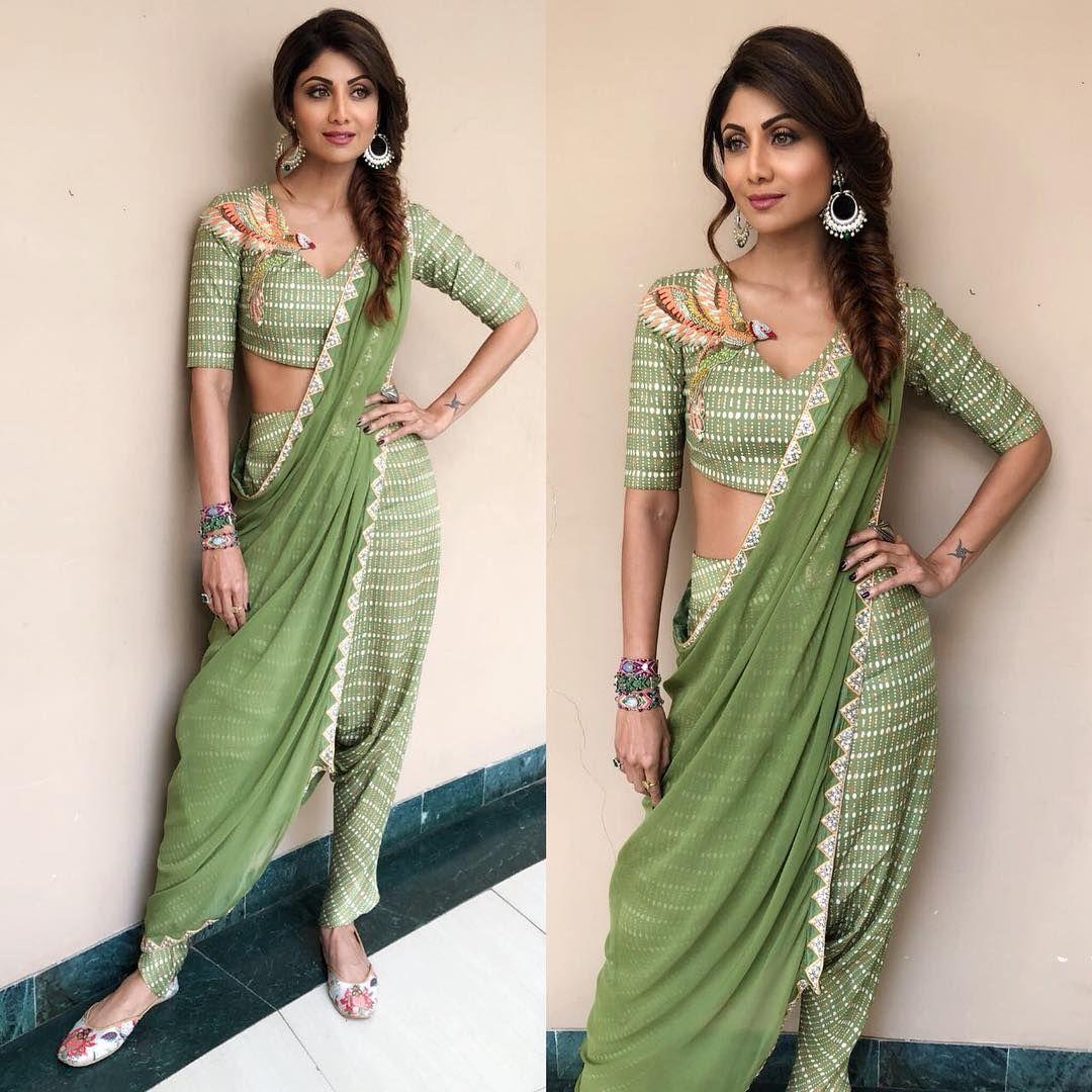 PunjabKesari, ग्रीन लाइट शेड ड्रेस इमेज