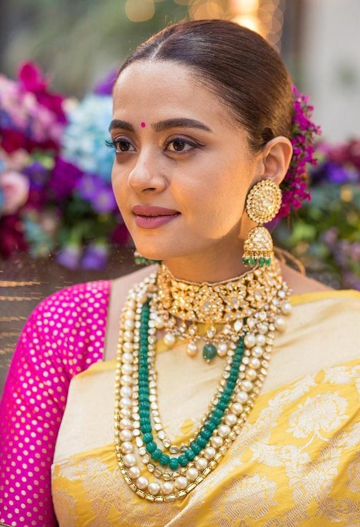 Bollywood Tadka,सुरवीन चावला इमेज,सुरवीन चावला फोटो,सुरवीन चावला पिक्चर,
