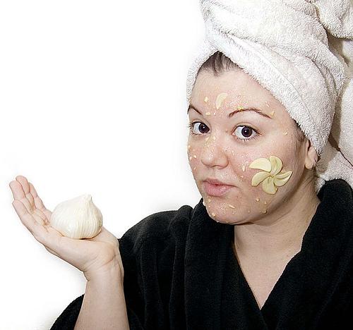 PunjabKesari, Nari, Garlic For Mole, Beauty Tips Image