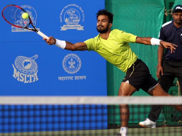 sports news, tennis news hindi, Bangalore Open, Current champion Nagal, beat, Clarke in first round