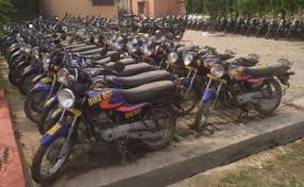 PunjabKesari, scam in the name of bike boat