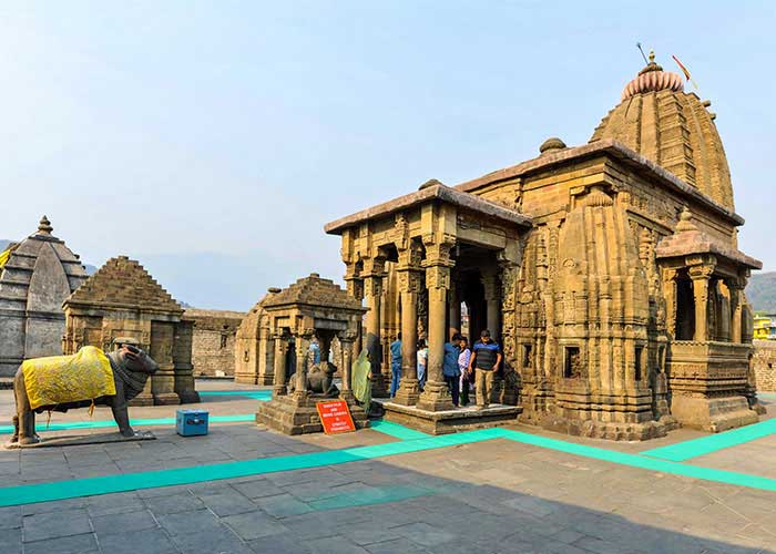 PunjabKesari Live darshan from Baijnath temple will be broadcast on Facebook