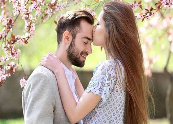 PunjabKesari Happy Kiss Day 2019