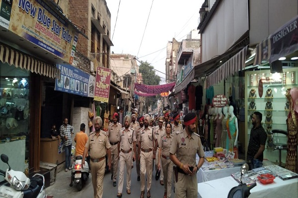 PunjabKesari, Police cautious about festivals