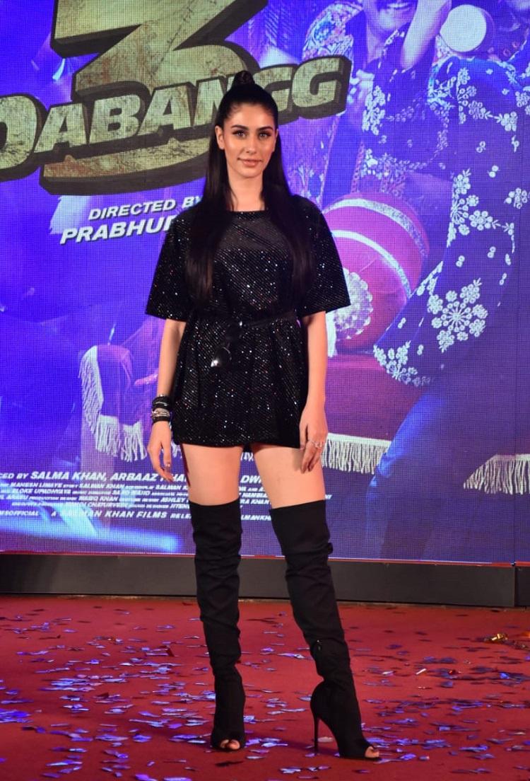 Bollywood Tadka,warina hussain image, warina hussain photo,warina hussain picture